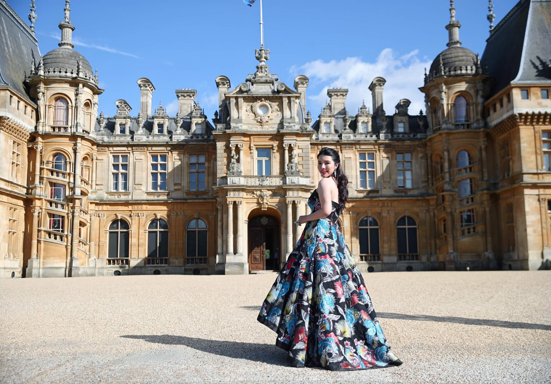 Wendy yu wears bespoke desinger dress